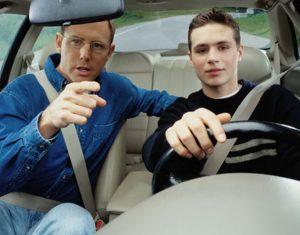 parents-teaching-teen-drivers
